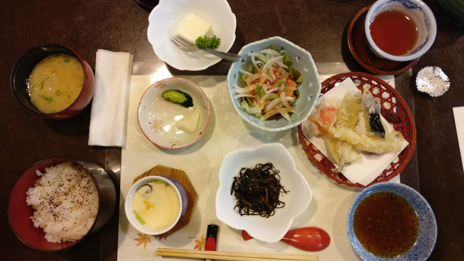 Kan-onji Ban-Sui restaurant diner voor 8,23
