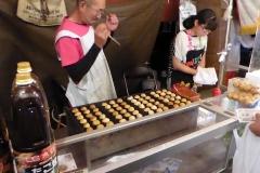 Kazuno Takoyaki op de markt