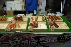 Markt met eten en kinderactiviteiten 3